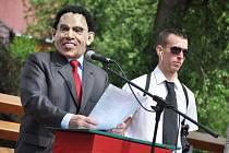 Na kácení máje do Zděchova dorazil v sobotu 26. května 2012 nečekaně také americký prezident Barack Obama