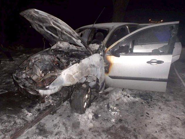 Požár auta v Bystřičce