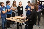Žáci 6. třídy ZŠ Rokytnice navštívili v úterý 23. října 2018 na vsetínském zámku vzdělávací akci u příležitosti Mezinárodního dne archeologie.