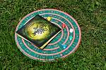 Unikátní desková hra Labyront určená také nevidomým se hraje na speciální trojrozměrné desce. Herní kameny a hrací kostky jsou vyrobené na 3D tiskárně.