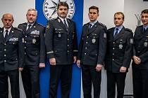 Za statečnost vyznamenal policejní prezident tři policisty z Valašského Meziříčí: Michala Šindlera, Jiřího Vančuru a Martina Gajdoše.