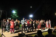 Do programu devětatřicátého ročníku festivalu Rožnovské slavnosti zařadili pořadatelé na sobotní večer program s názvem Rožnove, město pod Radhoštěm.