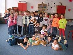 Děti ze školní družiny ZŠ Vyhlídka ve Valašském Meziříčí vybraly v projektu ZOO Lešná na záchranu tygra ussurijského 4 800 korun.