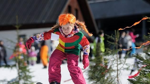 Maškarní lyžovačka na Razule.