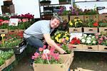 V pátek 5. května 2017 začal v Rožnově pod Radhoštěm osmý ročník prodejně-výstavních zahradnických trhů s názvem Valašská zahrada.