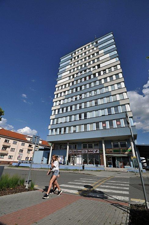 Vsetín - věžový dům u autobusového nádraží.