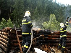 Ve středu dopoledne museli hasiči zasahovat u požáru na Horní Jasence.