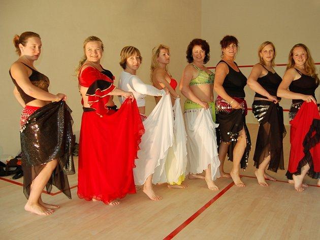 Břišní tanečnice pilovaly na Trojáku