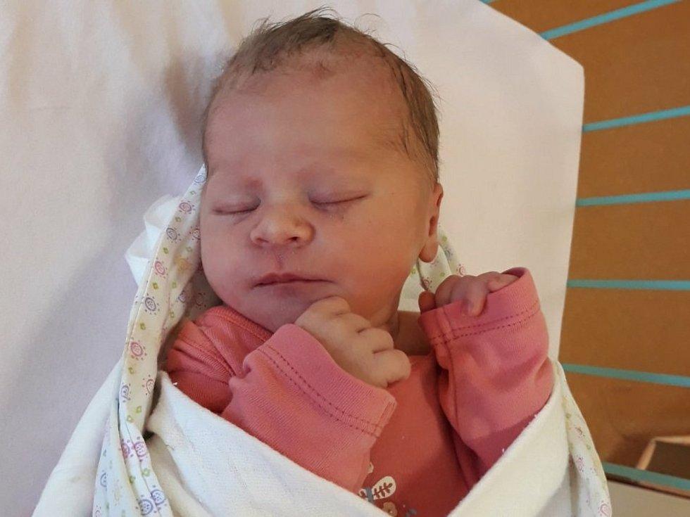 Emma Bezová, Soběchleby, narozena 20. července 2021 ve Valašském Meziříčí, míra 48 cm, váha 2950 g