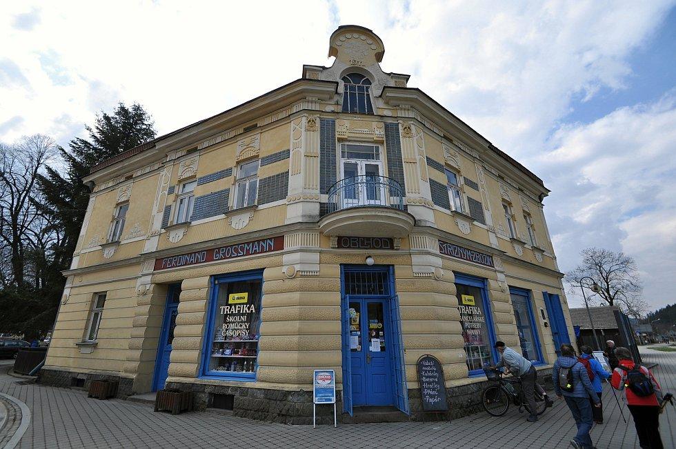 Velké Karlovice - Grossmannův dům na rozcestí Soláň.
