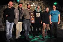 Valašskomeziříčíská kapela Docuku si ve čtvrtek 6. února 2014 převzala ocenění od vydavatelské společnosti Indies Happy Trails za 6000 prodaných CD v období 2004 – 2013.