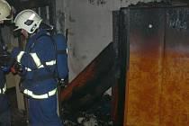 Dramatická záchrana při požáru v domě ve Lhotě u Vsetína.
