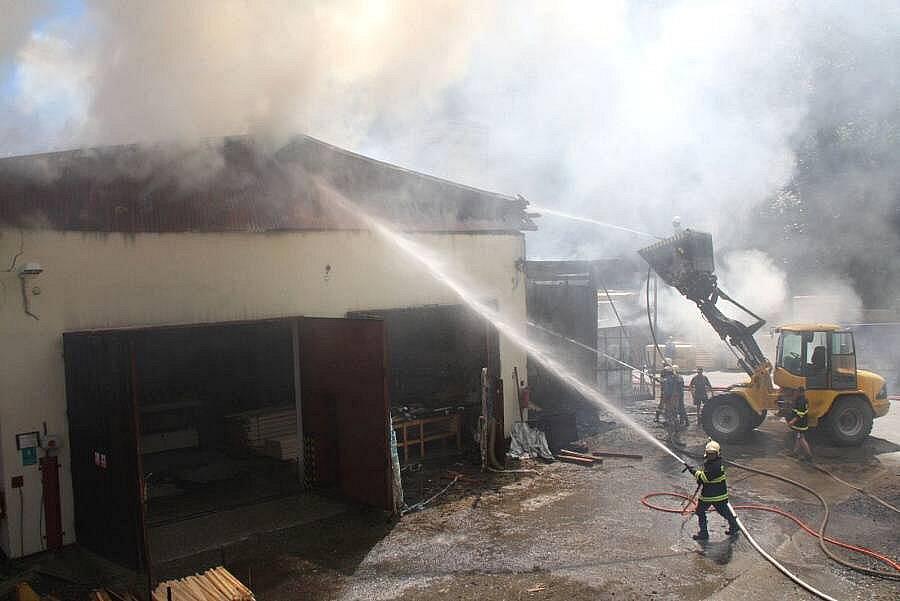 Požár stolárny v Prlově