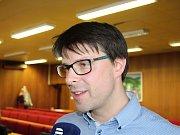 Jiří Čunek rezignoval na úterním zasedání zastupitelstva 11. dubna 2017 na post starosty a zastupitele města Vsetín. Jako svého náhradníka do zastupitelstva určil Jiřího Růžičku (na snímku)