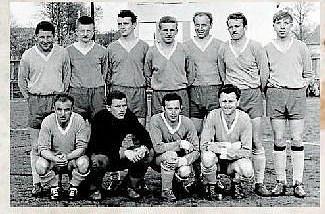 FOTBALISTÉ.Situace po II. světové válce vytvořila zcela nové podmínky k rozvoji sportu. Prosadila se myšlenka na sjednocení tělovýchovných a sportovních spolků v Zubří. V roce 1952 vzniká TJ Zubří. Pod její hlavičkou se rozvíjí fotbal
