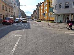 Místo údajného pátečního (19. června 2015) střetu osobního auta Škoda Octavia a sedmiletého chlapce. Policisté hledají svědky nehody.