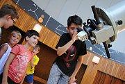 Pracovníci hvězdárny ve Valašském Meziříčí připravili v týdnu od 31. 7. do 4. 8. účastníkům astronomického tábora pestrý program.