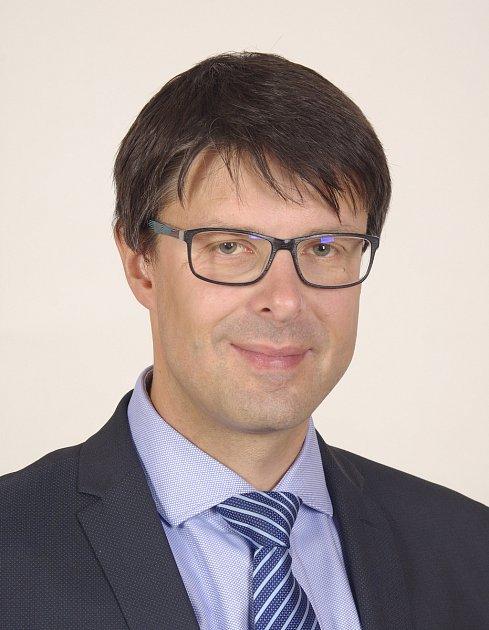 Na základě hlasování se do zastupitelstva po volbách na podzim 2018dostal také Jiří Růžička (KDU-ČSL).