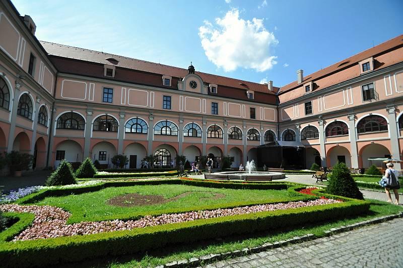 Valašské Meziříčí - zámek Žerotínů