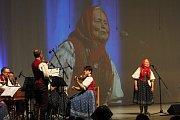 Folklorní soubor Vsacan oslavil v sobotu 17. listopadu 2018 při galaprogramu 75. výročí založení. Zazpívala také nejstarší aktivní členka Zdeňka Straškrabová