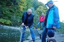 Vodáci ve Valašském Meziříčí ukončili v sobotu 6. října 2018 sezonu symbolickým uzamčením řeky Bečvy. Nechyběl doprovodný program.