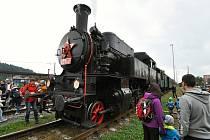 Historická lokomotiva Velký Býček alias Tulák vyrazila v sobotu 18. září 2021 na poslední jízdy letošní série Rožnovského parního léta na trať mezi Valašským Meziříčím a Rožnovem pod Radhoštěm.