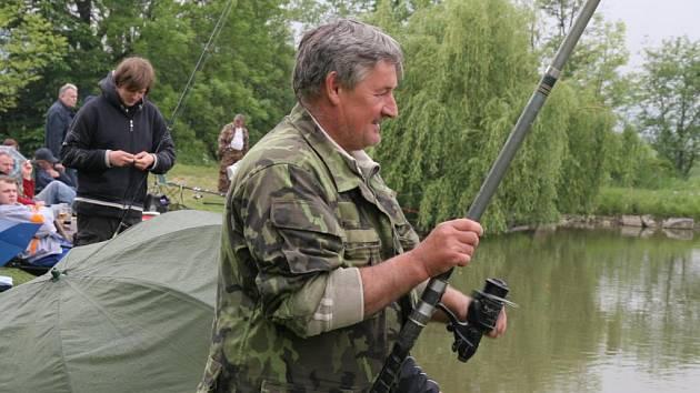 Vítězem rybářského závodu v Podlesí se stal dvaapadesátiletý Radovan Blažek