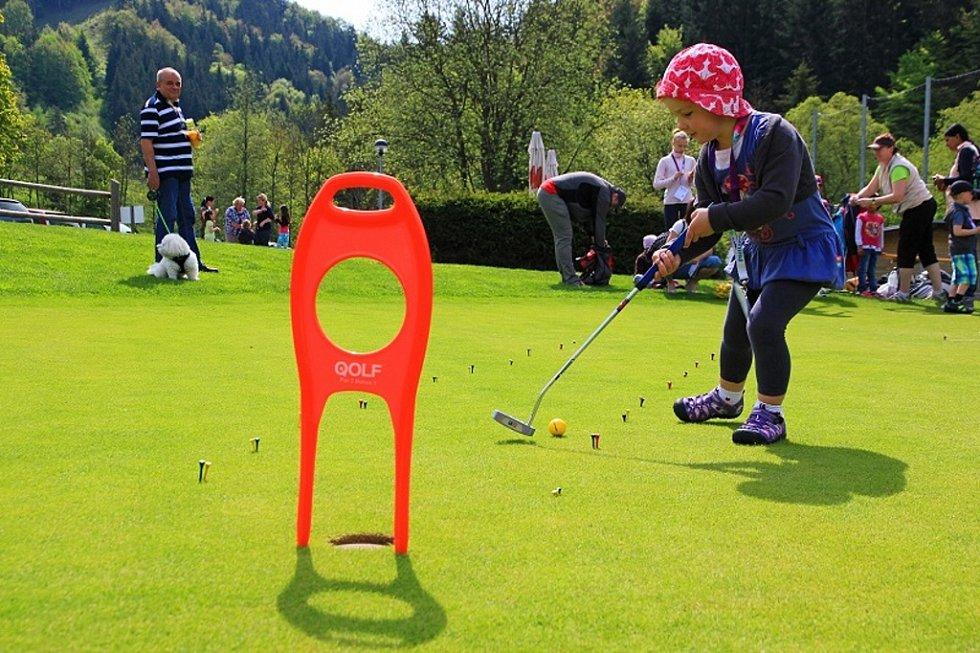 Golf v parku Razulák.