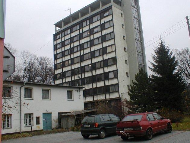 Bývalá administrativní budova zřejmě změní majitele