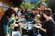 V sobotu 6.10.2018 začal ve Velkých Karlovicích svátek jídla. Dvoudenní Karlovský gastrofestival přilákal tisíce gurmánů. Jedno ze stanovišť - Penzion Pod Pralesem.