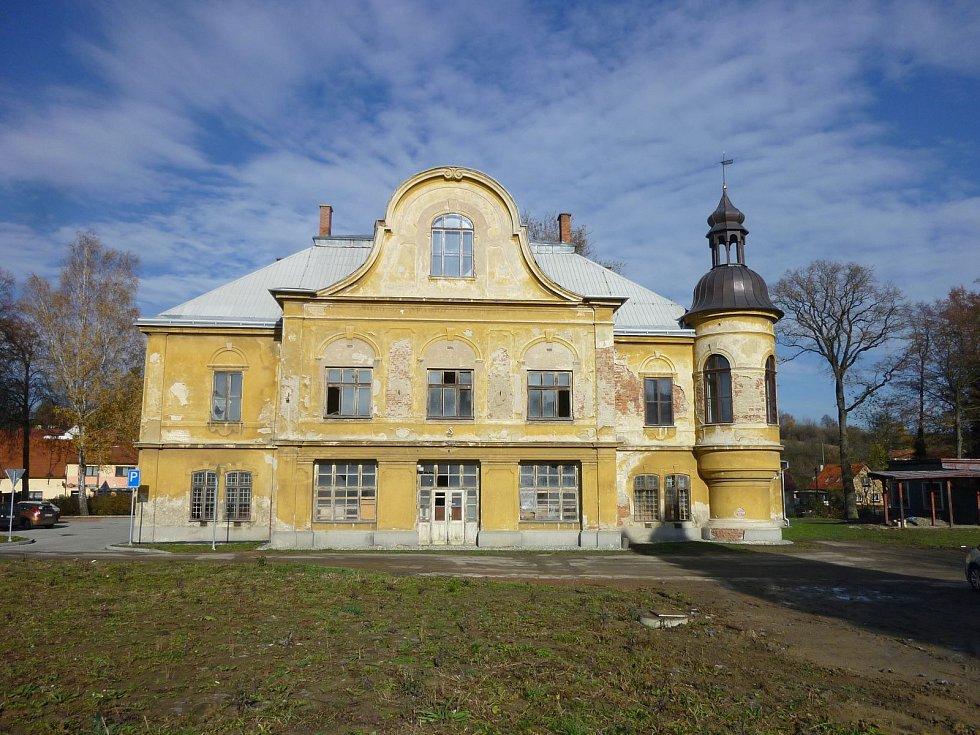 Zámek v Brankách na Valašskomeziříčsku.