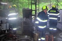 Zásah hasičů v úterý 28. května 2019 u požáru dílny v Hovězí
