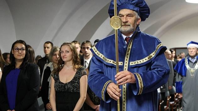 Inaugurace studentů na zámku ve Vsetíně.