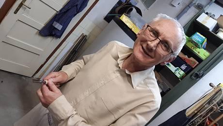 Jaroslav Vaculík z Liptálu se už téměř třicet let zabývá výrobou dlát.