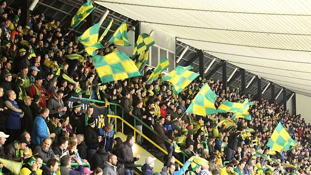 Vsetínští fanoušci jsou šestým hráčem valašských hokejistů. Slibují rozpoutat na tribunách zelenožluté peklo.