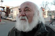 Novým čestným občanem města Valašské Meziříčí se ve čtvrtek stal keramik a po listopadu 1989 také komunální politik, sedmdesátiletý Karel Hauser.