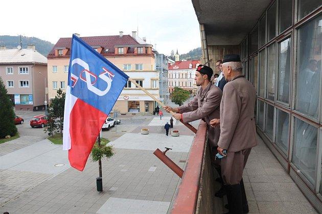 Vyvěšení sokolské vlajky - Památný den sokolstva