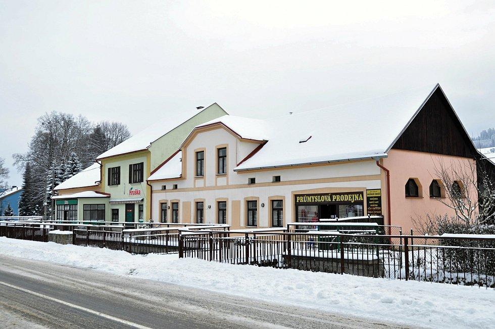 Obec Hošťálková.