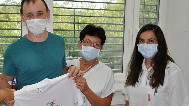 Dvoutisícím letošním dárcem krve ve Vsetínské nemocnici byl Radim Ovčačík.