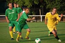 V utkání okresního přeboru Podlesí B (žluté dresy) dopma přehrálo VKK B 5:2.