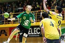 Házenkáři Zubří (v zeleném Ondřej Mika) v předchozím kole evropského Challenge Cupu přešli přes bosenské Goražde. Nyní je na řadě v osmifinále portugalský Sporting Lisabon.