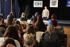 V pátek 31. března se uskutečnila ve vsetínském Domě kultury první část soutěže Chrám i tvrz. V uměleckém přednesu soutěžilo ve třech kategoriích devětačtyřicet dětí.