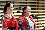 Ve Vsetíně slavnostně otevřeli ve čtvrtek 25. června 2020 nové náměstí Jarmily Šulákové. Dcera Zuzana Pavlůsková (vpravo) a zpěvačka Klára Blažková.