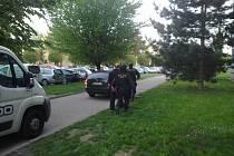 Sedmatřicetiletého zloděje recidivistu zatklo policejní komando ve středu 23. dubna večer v kasinu v centru Uherského Hradiště u hracího automatu.