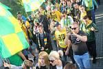 Fanoušci oslavili 12. října 2019 80. výročí založení vsetínského hokejového klubu. V průvodu městem vyrazili na sobotní zápas.