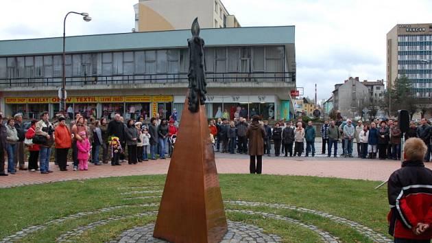 Připomínka 17. listopadu ve Vsetíně v roce 2008.
