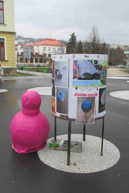 Výstava na náměstí Svobody
