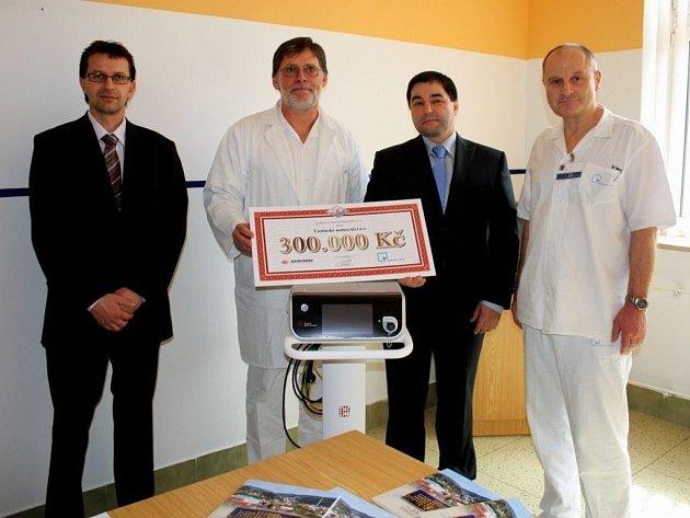 Chirurgické oddělení Vsetínské nemocnice získalo nový harmonický skalpel.