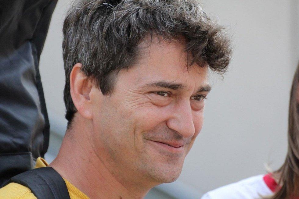 K velmi častým návštěvníkům Valašska patří populární herec Saša Rašilov.