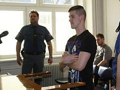 Obžalovaný Martin Stržínek stanul v pondělí 27. března za sérii krádeží před Okresním soudem ve Vsetíně